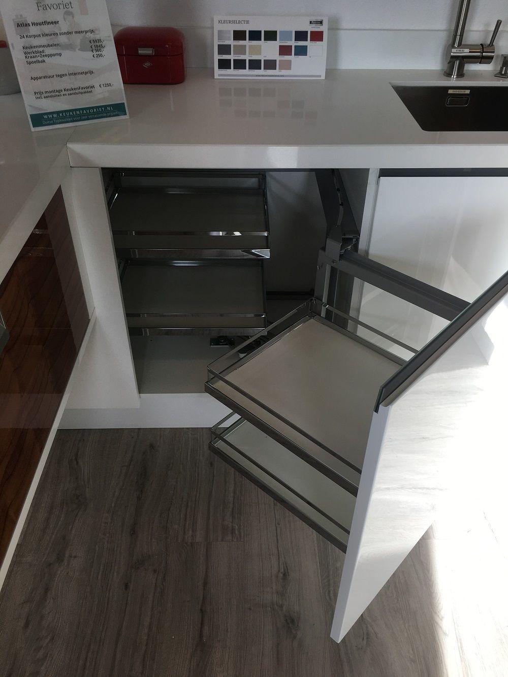 Alle showroomkeuken aanbiedingen uit nederland keukens voor zeer lage - Ruimte model kamer houten ...